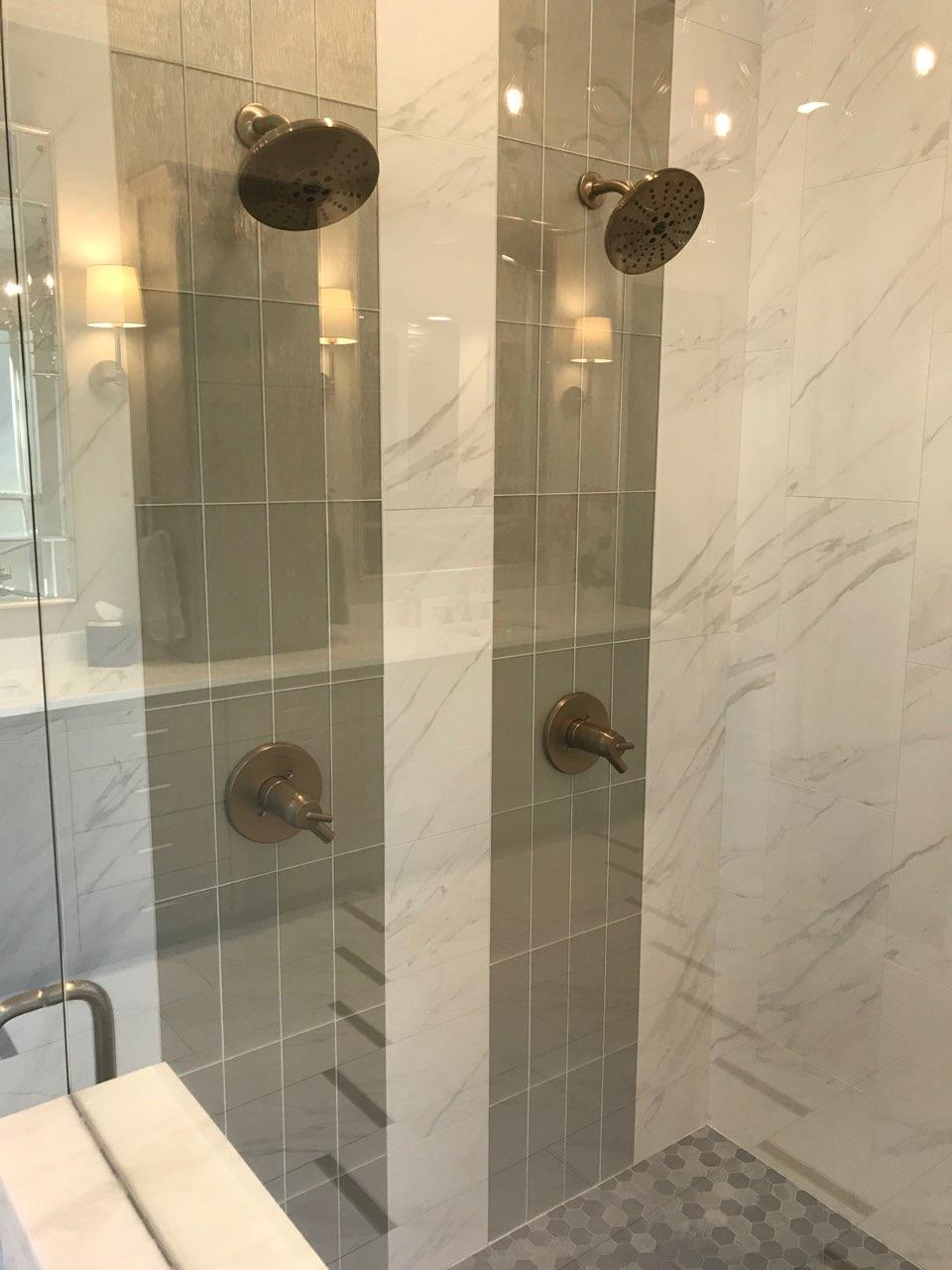 shower with dual shower heads